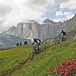 Extreme activities in Fassa Valley - An armoniose relationship between sport and nature